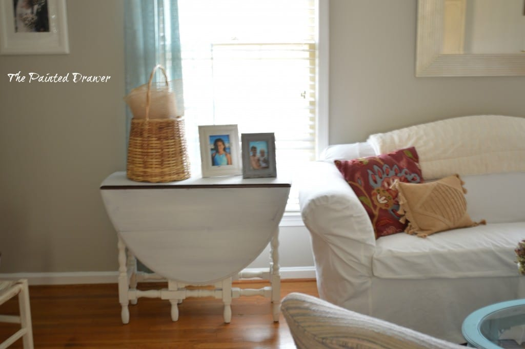 Farmhouse Table www.thepainteddrawer.com