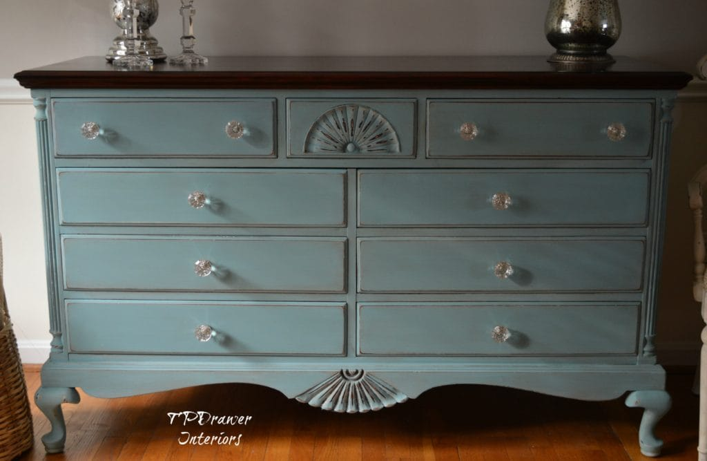 A Sophisticated Shell Dresser
