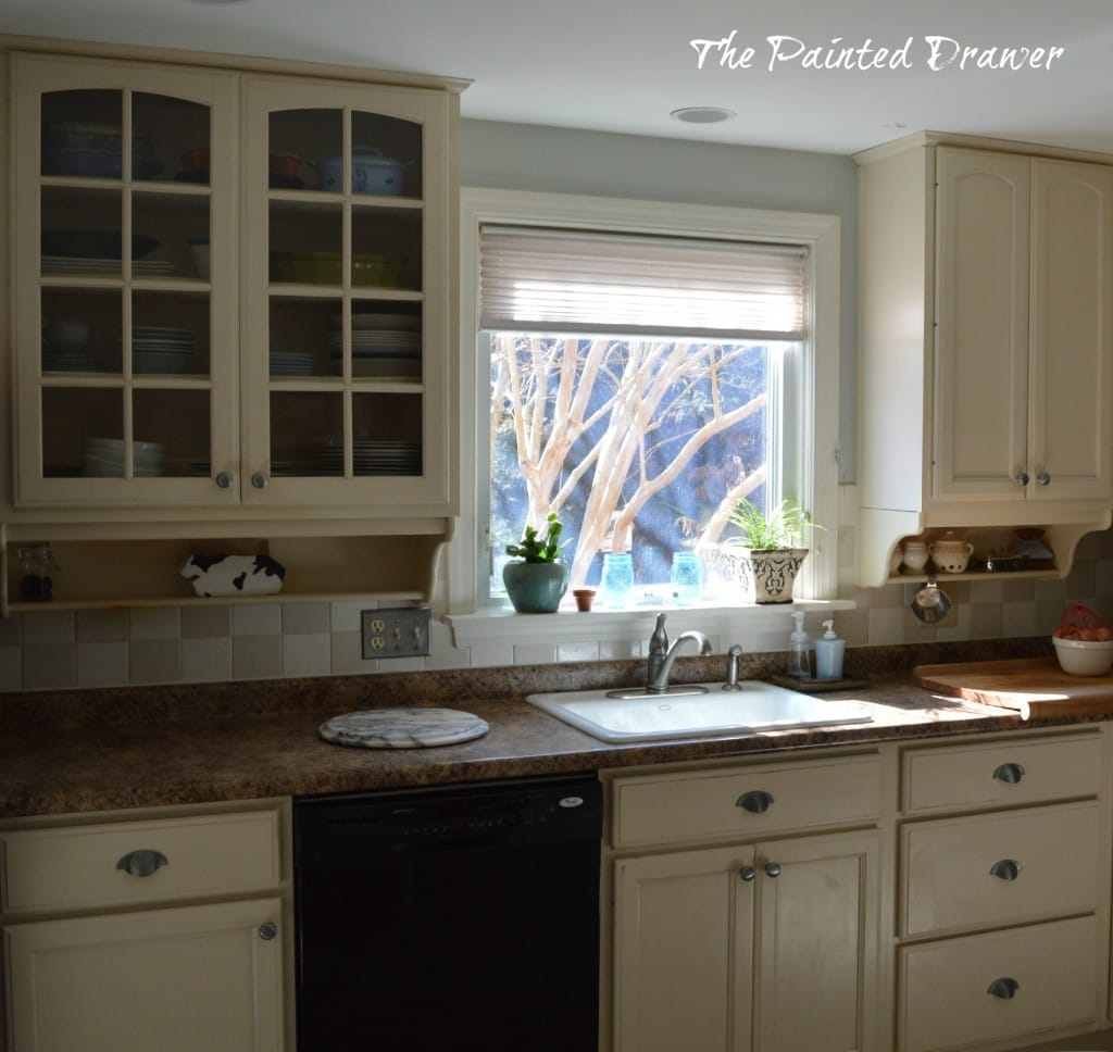 Cottage Kitchen www.thepainteddrawer.com