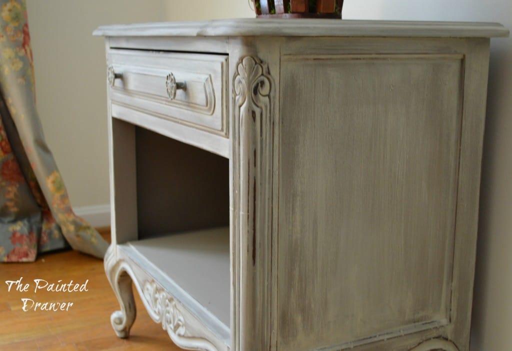 Vintage Drexel Table www.thepainteddrawer.com