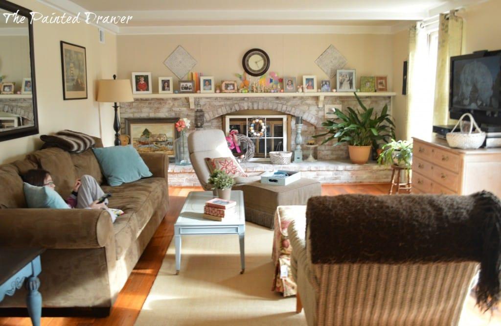 Spring Family Room www.thepainteddrawer.com
