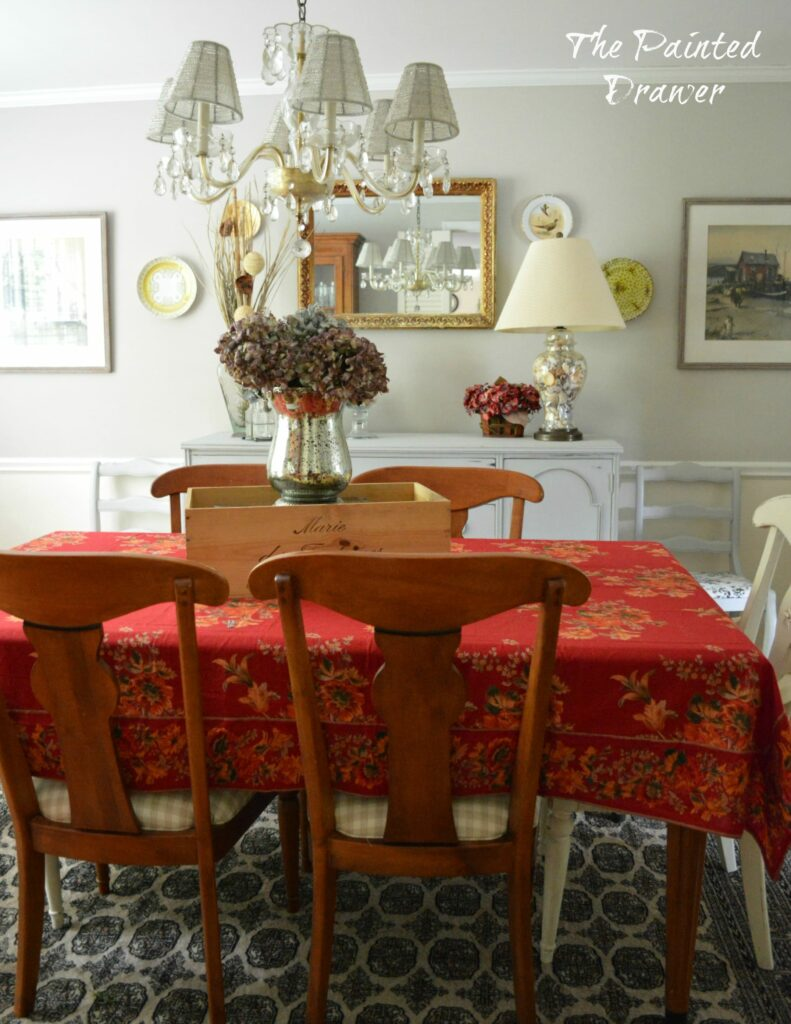 French Country Dining Room www.thepainteddrawer.com