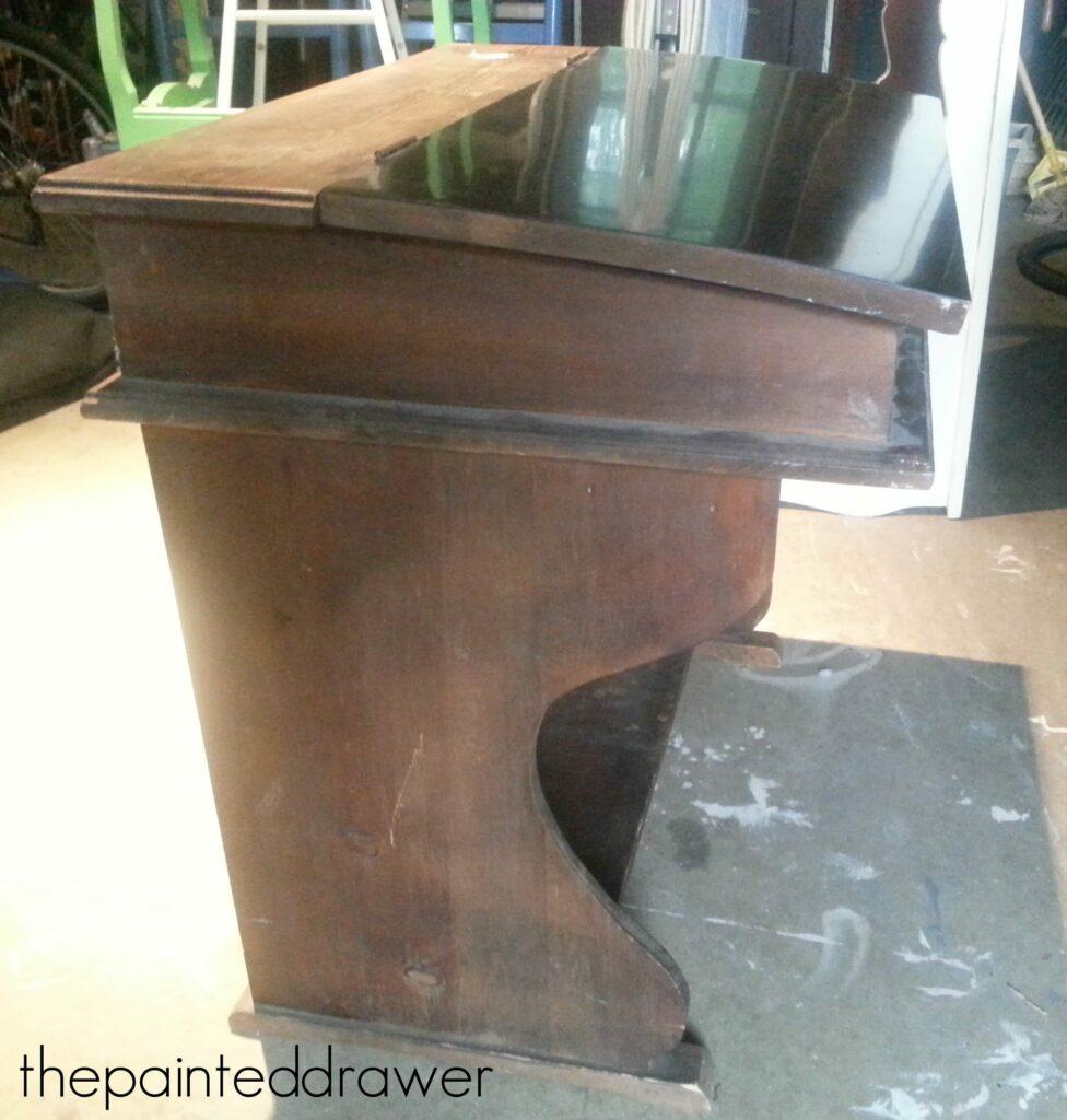 Vintage Child's Desk www.thepainteddrawer.com