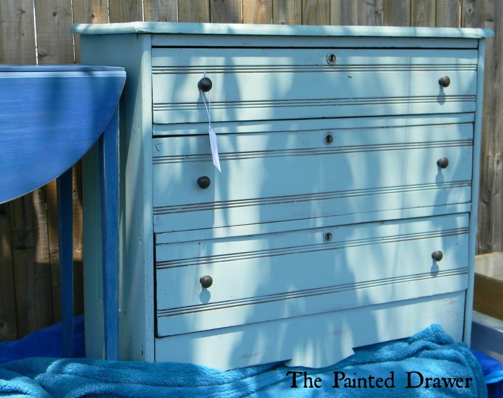 Country Farmhouse Painted Dresser www.thepainteddrawer.com