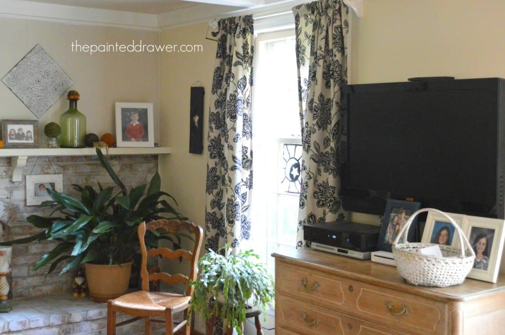 Family Room www.thepainteddrawer.com