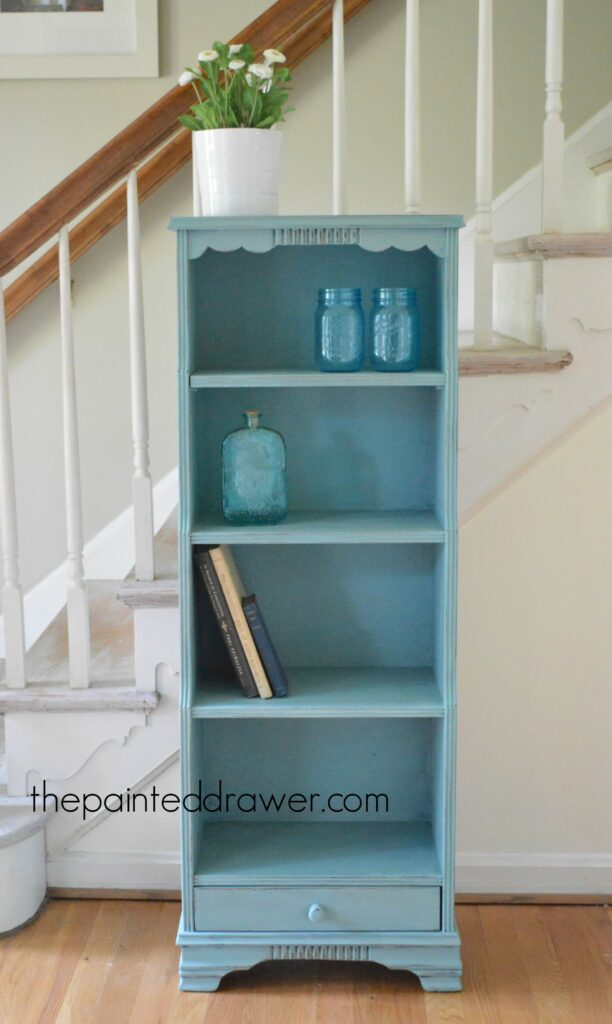 Small and Sweet – A Bookcase Gets Charm