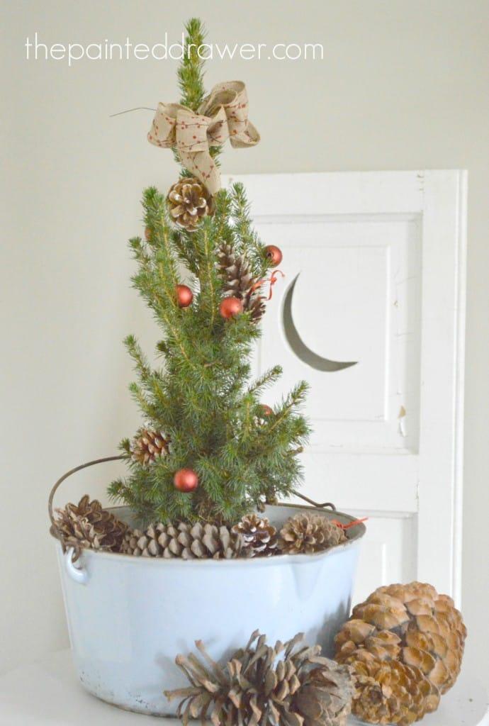 Vintage Enamelware Christmas Arrangement