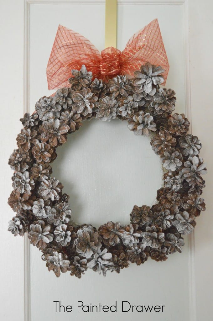 A Pinecone Wreath Plus Hometalk Holiday Crafts