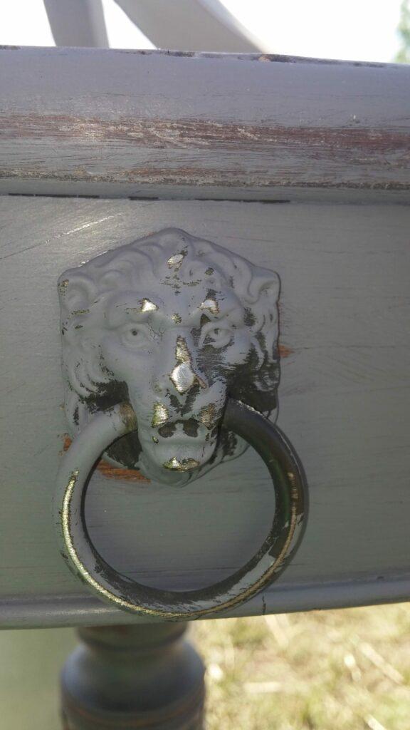 Vintage Detail www.thepainteddrawer.com
