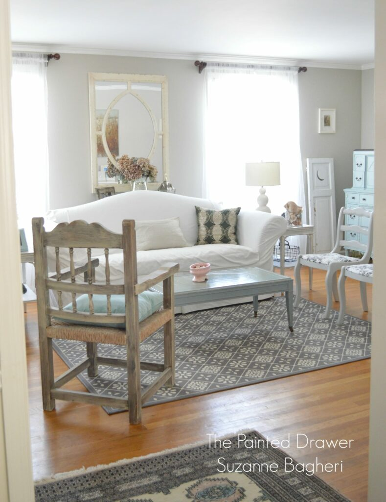 Living Room www.thepainteddrawer.com