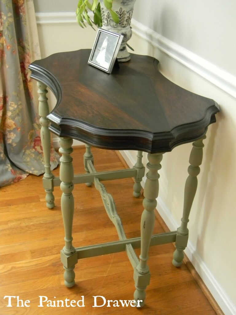 Diamond Top Table in Chateau Grey