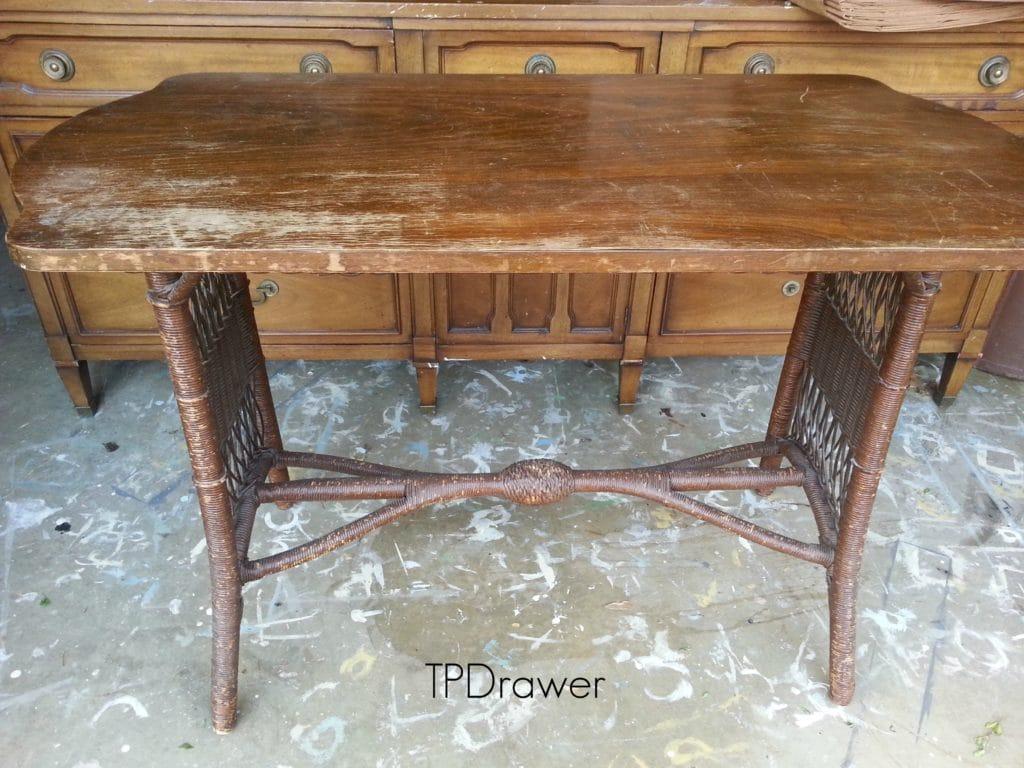 Wicker Table2