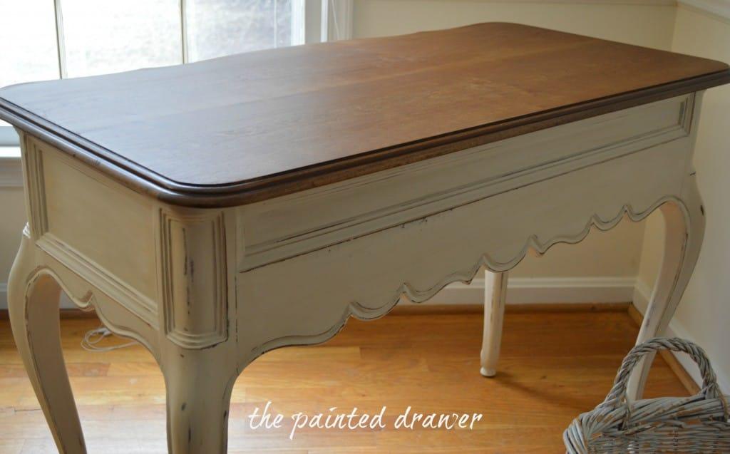 White Desk 4