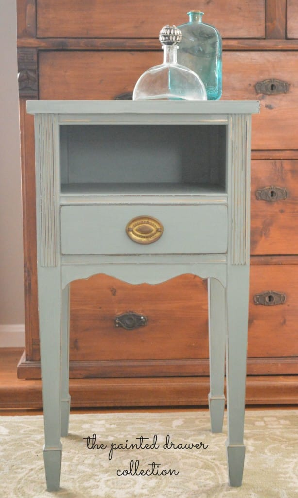 Vintage Table in Annie Sloan Duck Egg Blue www.thepainteddrawer.com