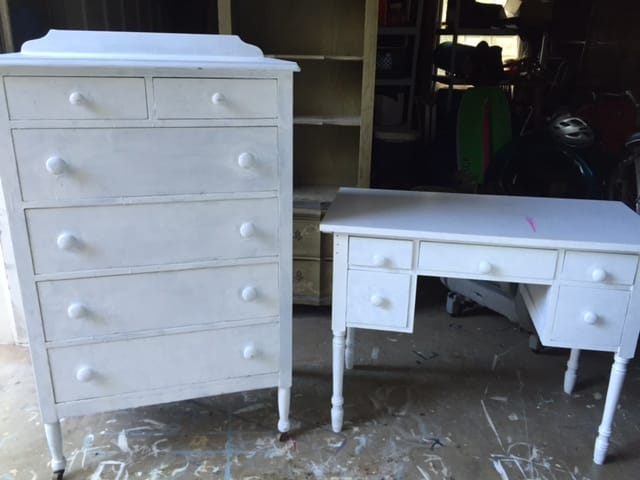 Favorite Find Monday – A Vintage Bedroom Set