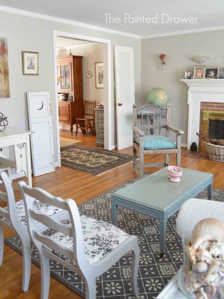 Living Room Spring www.thepainteddrawer.com