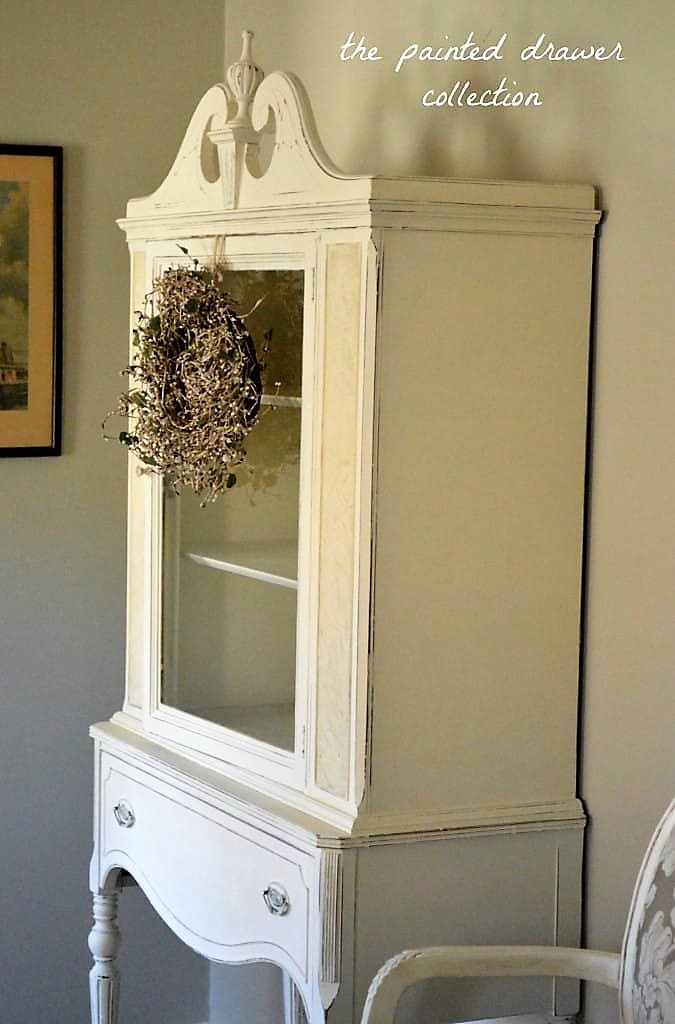 China Cabinet in Dream Whites