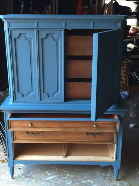 Part I: How To Apply the First Coat of Annie Sloan Chalk Paint