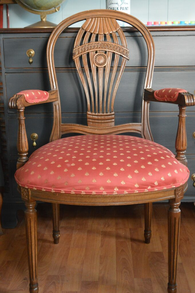 Favorite Find Monday – Vintage Dining Room Chairs