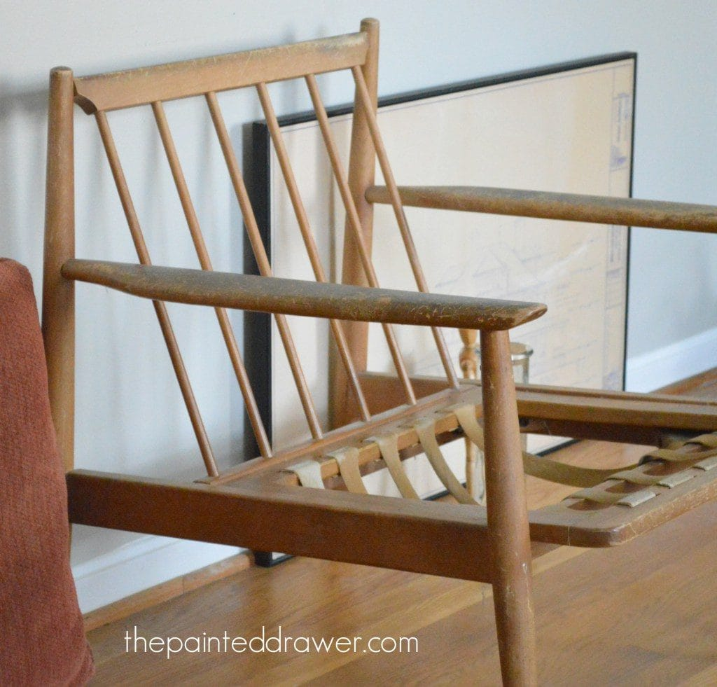 A mid-century modern chair gets a makeover in this true trash to treasure video tutorial by www.thepainteddrawer