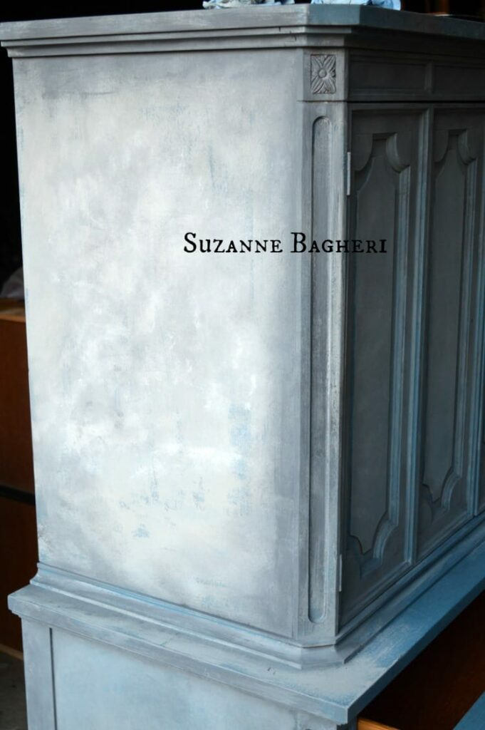 Annie Sloan chalk paint blended mix of colors - Aubusson, French Linen and Old White by Suzanne Bagheri