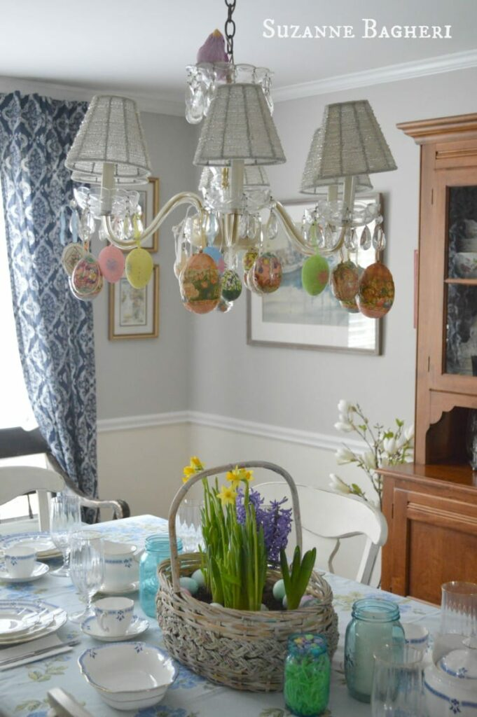 Easter Decor in the Dining Room by The Painted Drawer