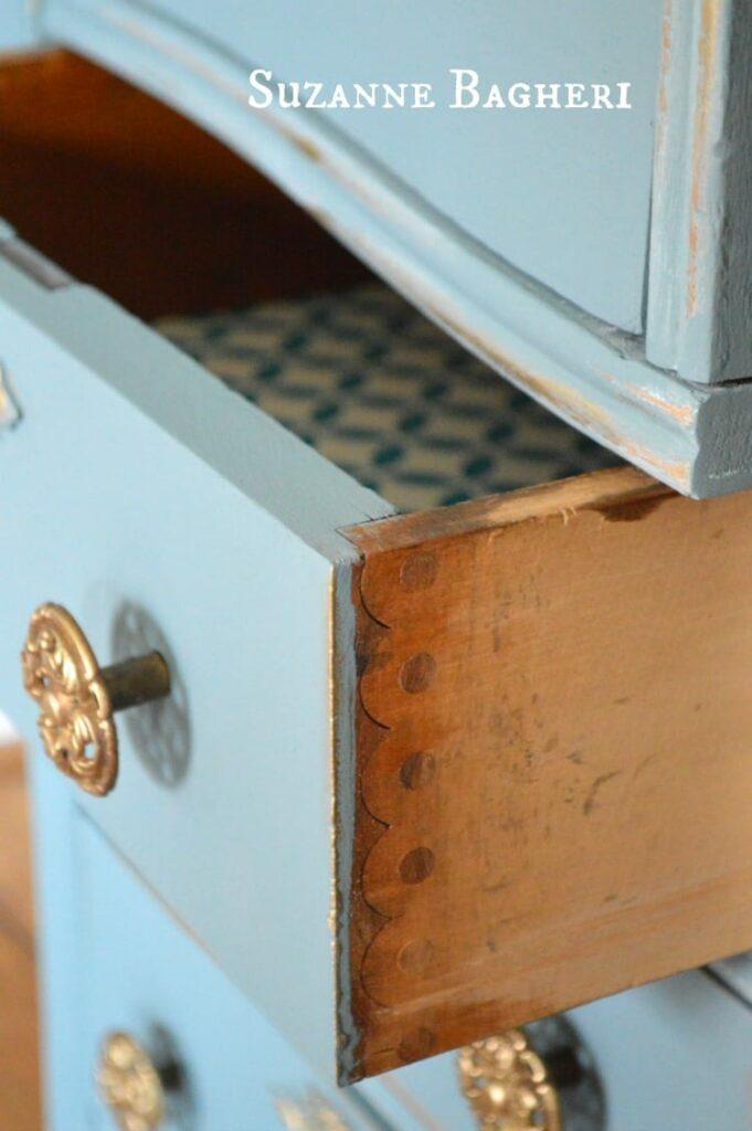 Vintage Desk in Pure and Original Paint Atria