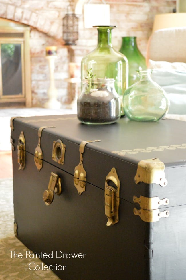 Cedar Chest in Black and Gold