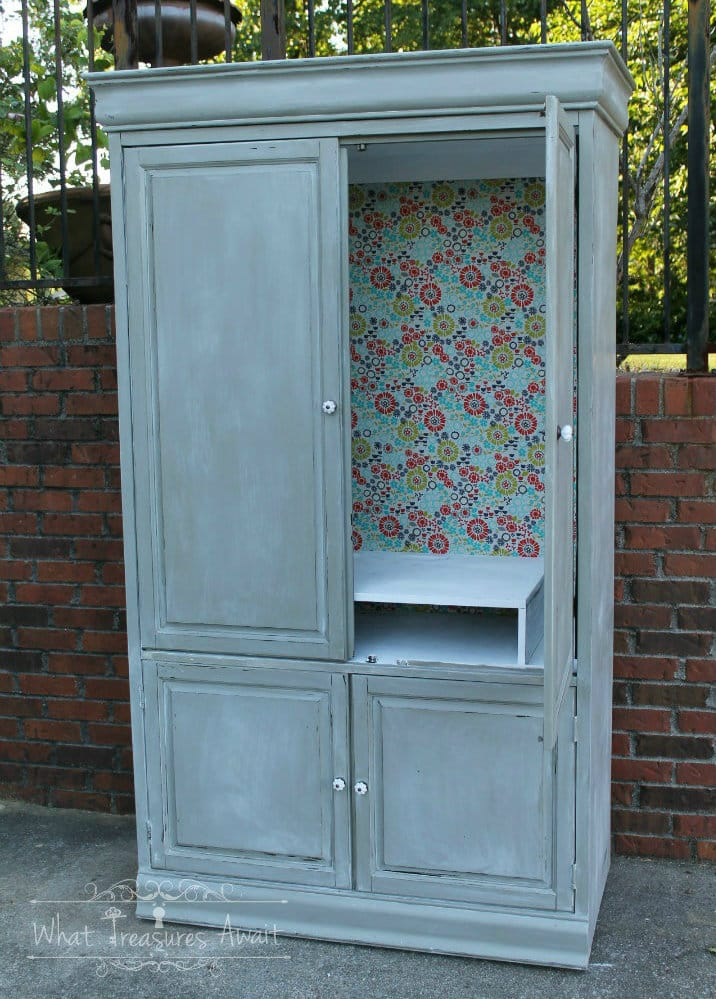 Armoire in chalkpaint