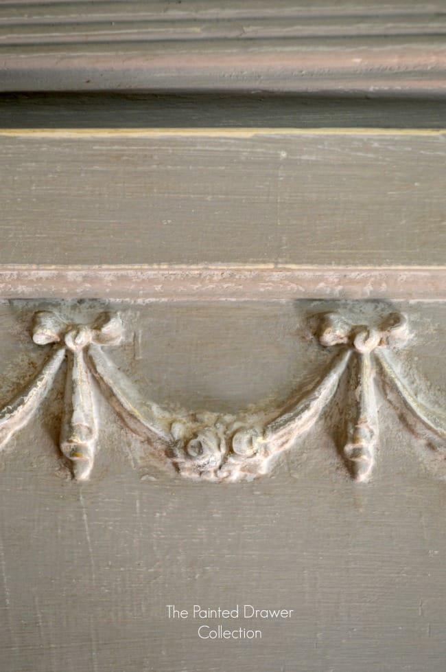 Detail in Annie Sloan French Linen