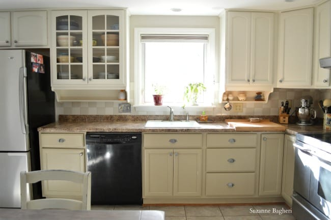 painted kitchen cabinets in General Finishes milk paint