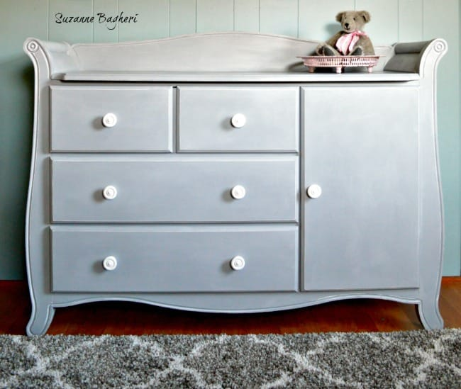 changing-table-in-paris-grey