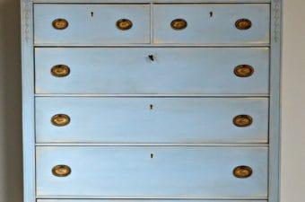 Countdown 2017 Annie Sloan Louis Blue Dresser