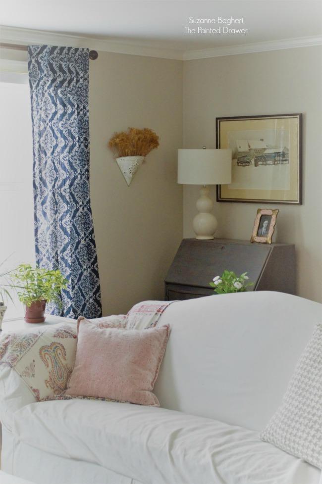 Living Room Spring Decor
