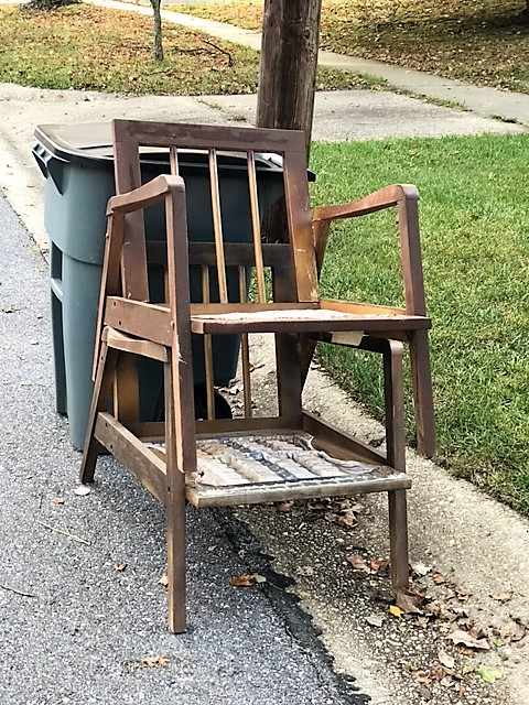 FFM: Mid-Century Chairs and a Disappointing Ending