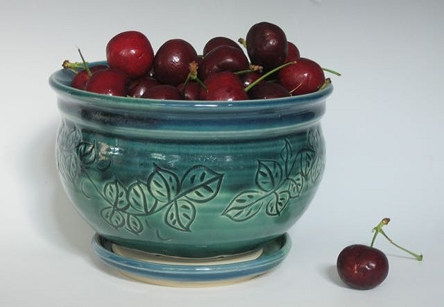 Leaf Berry Bowl, Gifted Home Decor