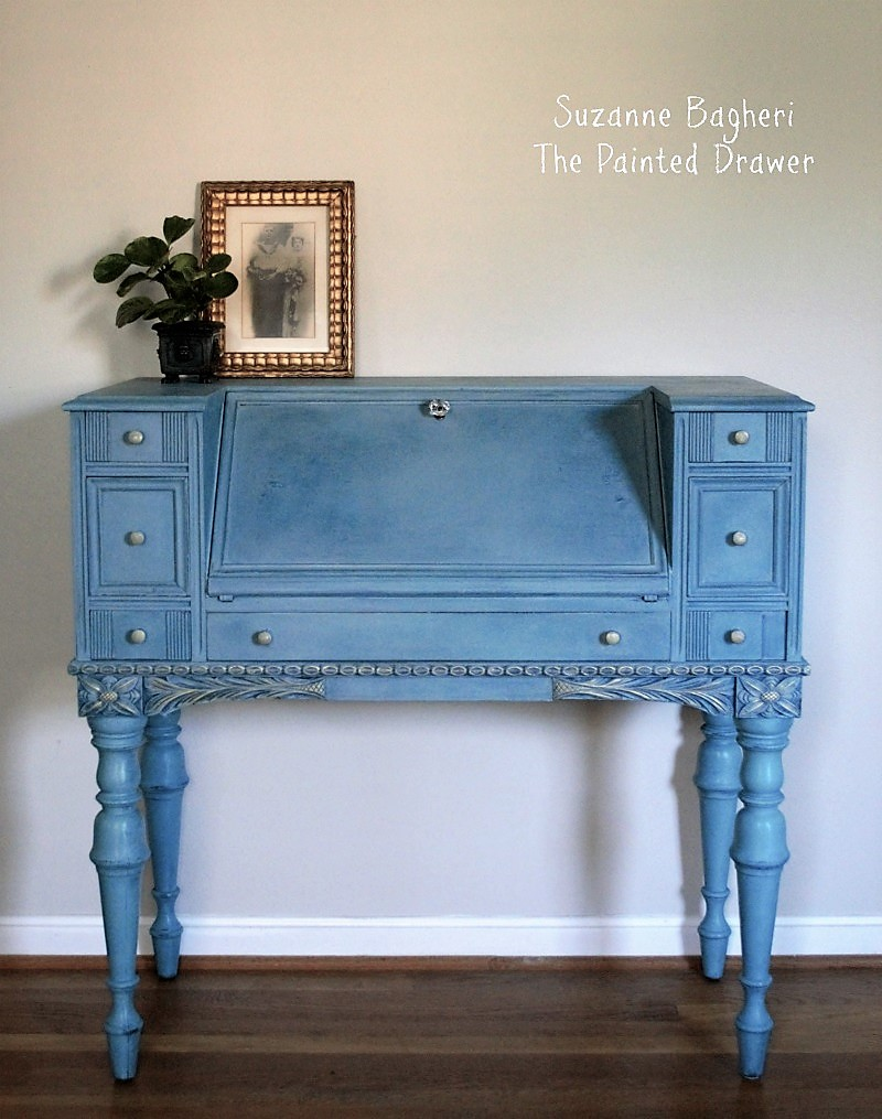 Yikes Vintage Desk Here It Is Today Painted In A Combo Of Annie Sloan Chalk Paints