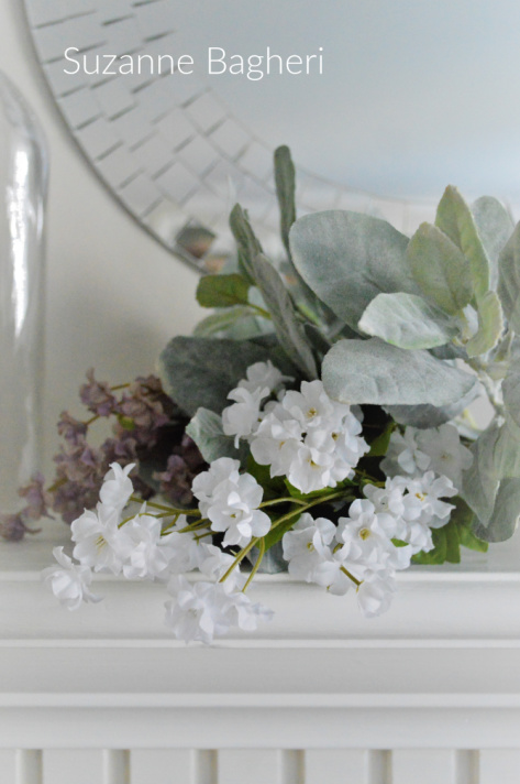 Mantel Glass Vases with Flowers