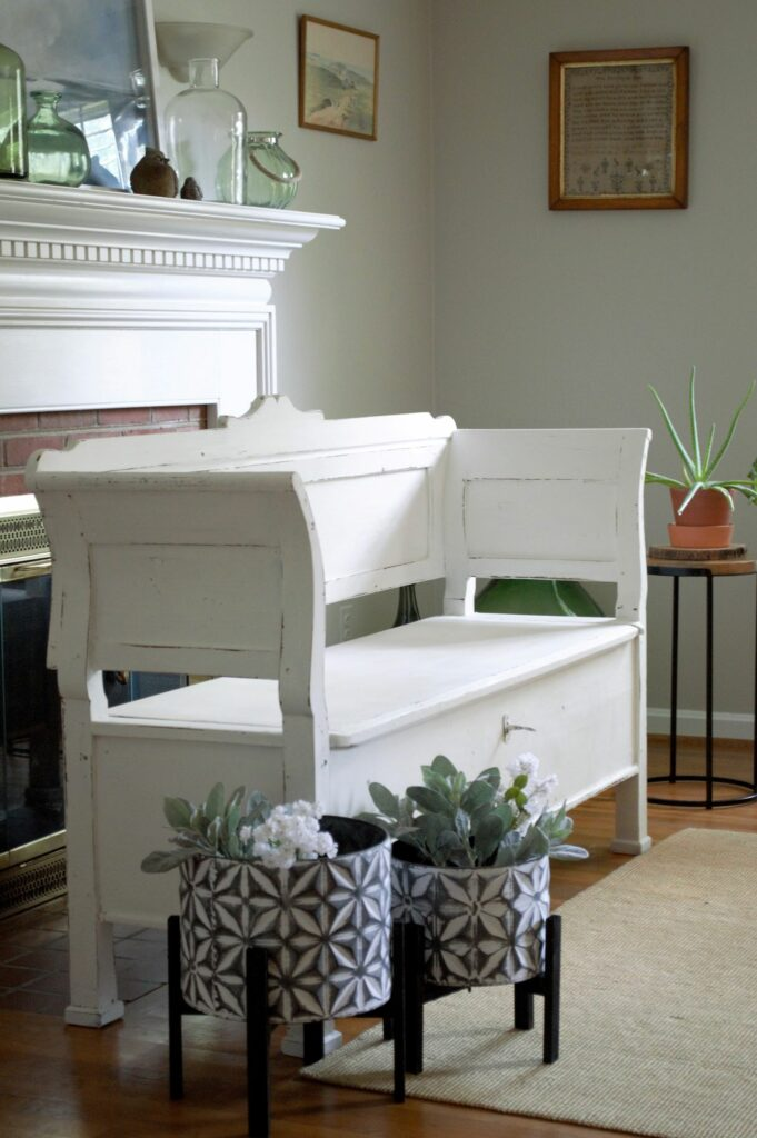 Vintage Bench in White