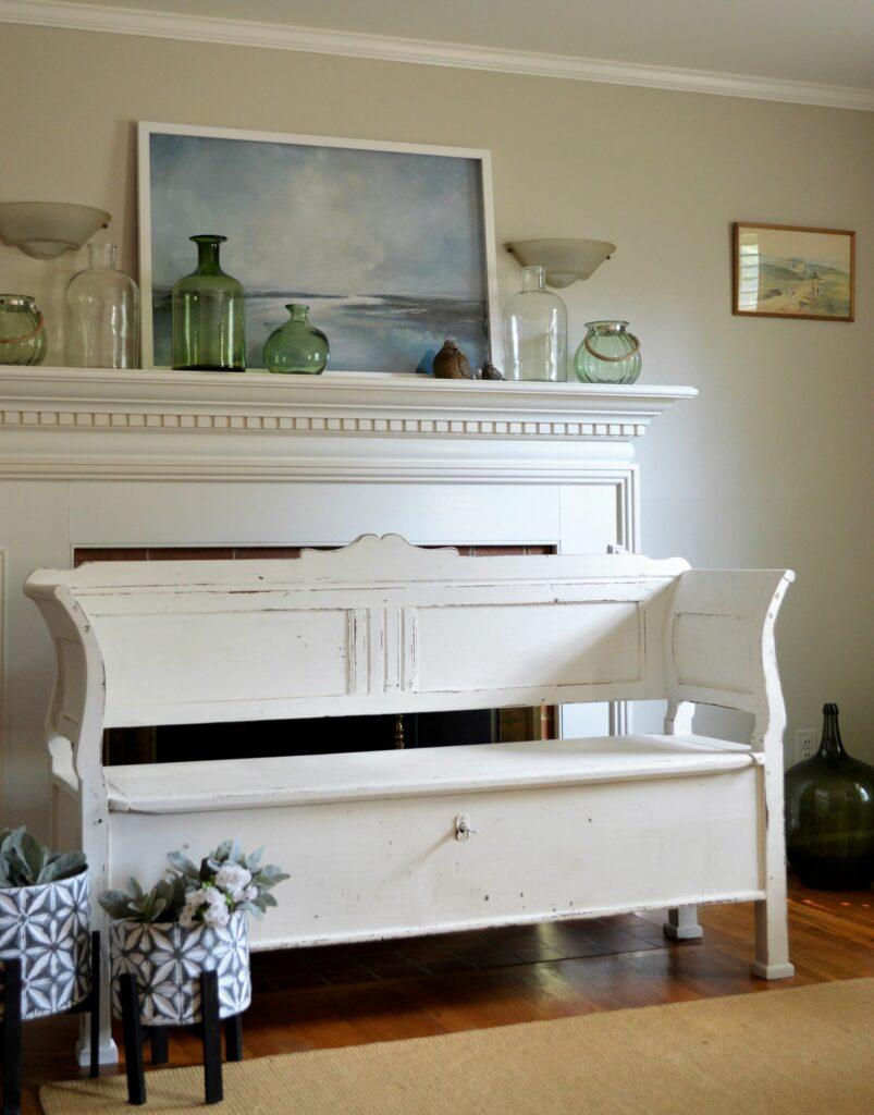 Vintage Bench in White